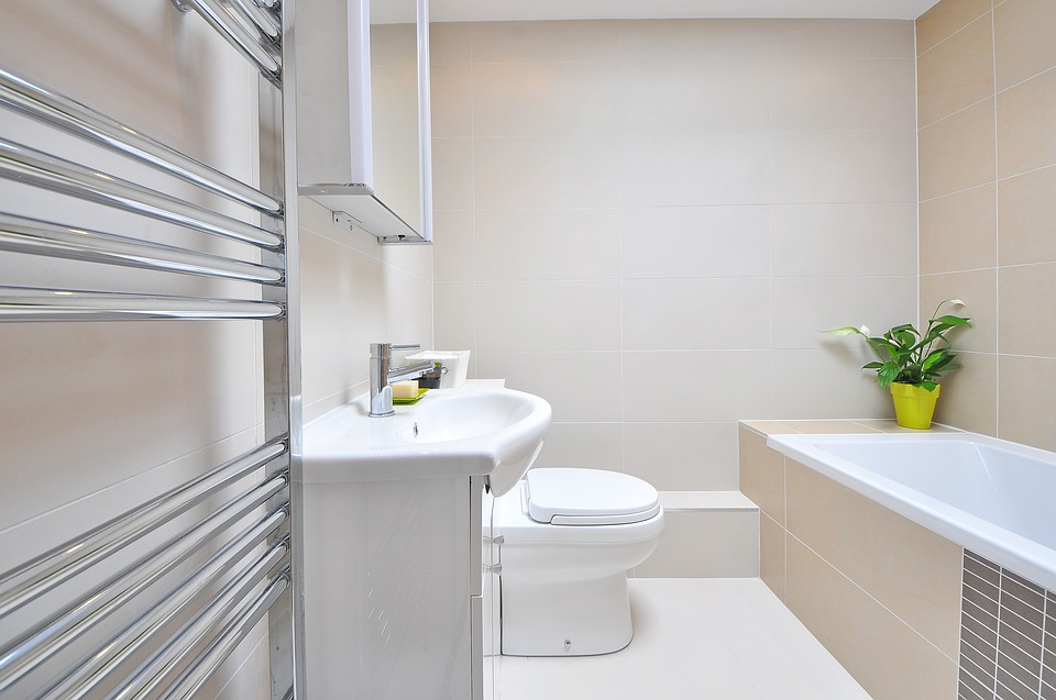 cleaning company kelowna all about details residential cleaning home cleaning house bathroom